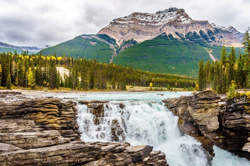 De Dalingen van Athabasca en zetten Kerkeslin op stock afbeelding