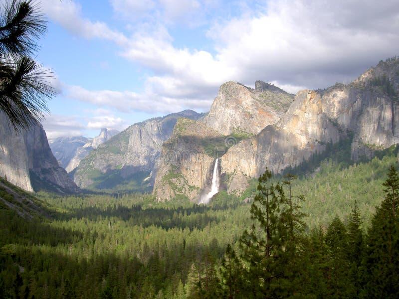 De Dalingen van Bridalveil - Yosemite royalty-vrije stock afbeelding