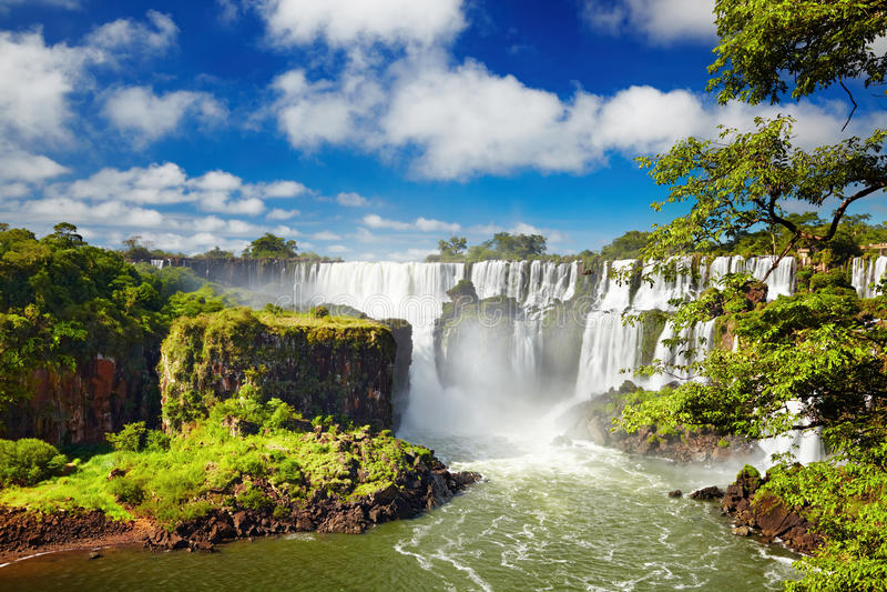 De Dalingen van Iguassu, mening van Argentijnse kant stock fotografie