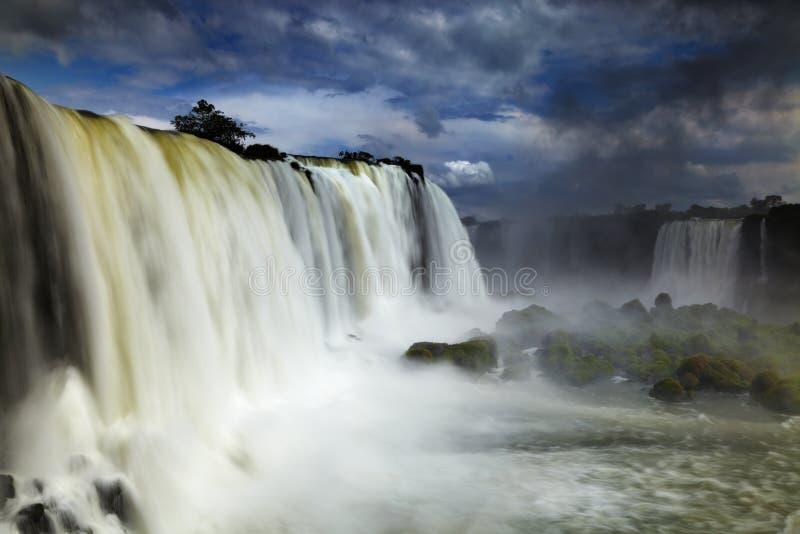 De Dalingen van Iguassu, mening van Braziliaanse kant stock afbeeldingen