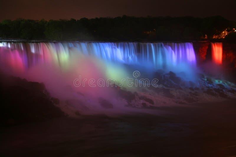 De dalingen van Niagara bij nacht royalty-vrije stock afbeeldingen