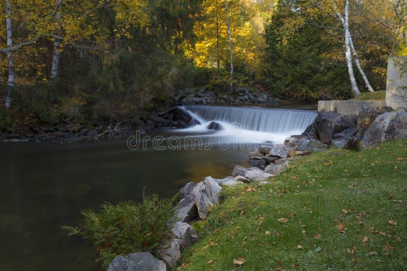 De Dam van Broedplaatsdalingen stock afbeelding