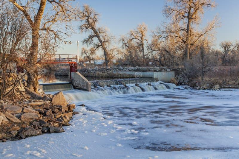 De dam van de rivier royalty-vrije stock afbeelding
