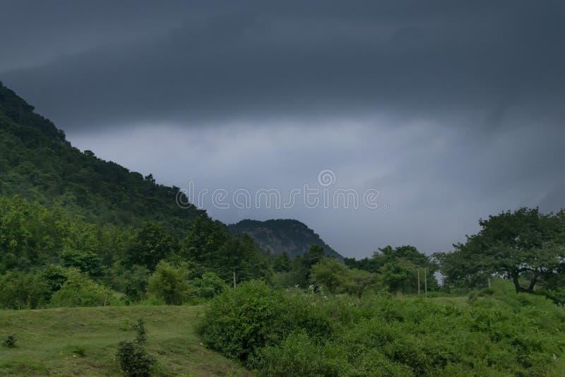 De dam van het Khoyraberhiwater - Purulia, West-Bengalen, India royalty-vrije stock fotografie