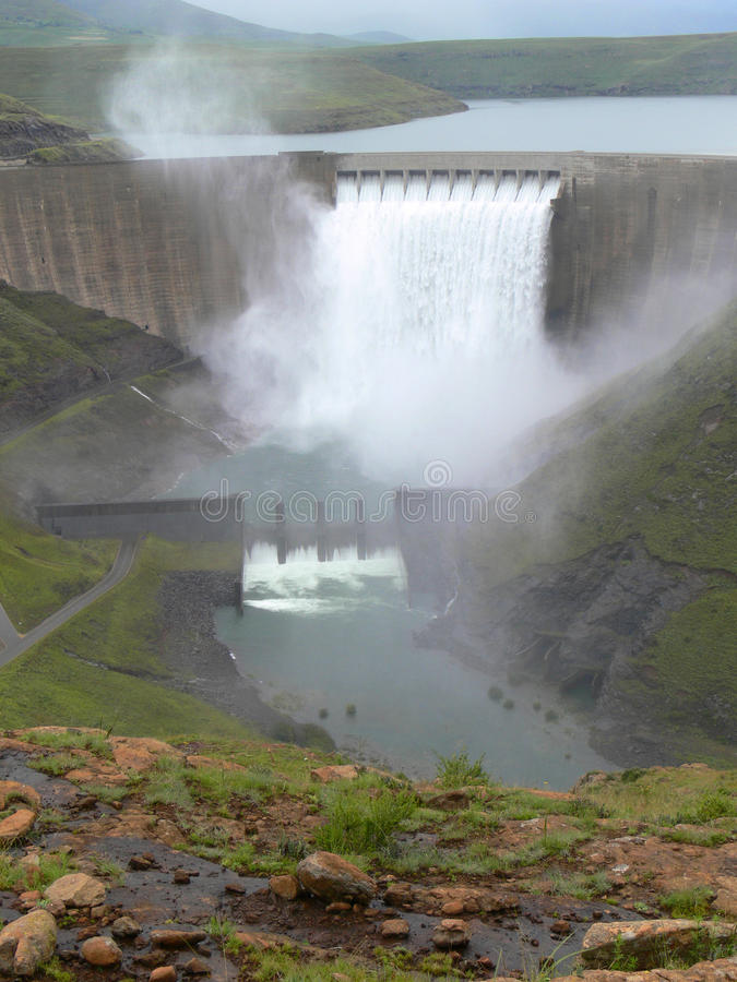 De Dam van Katse stock fotografie