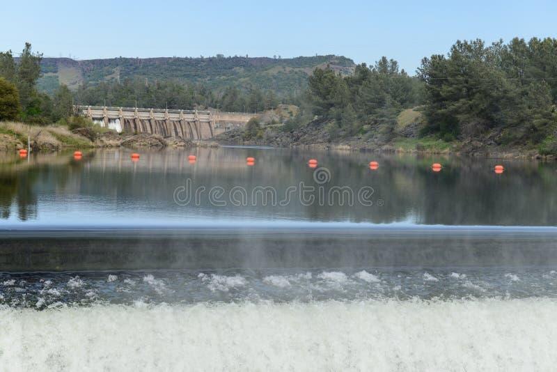 De Dam van Orovillecalifornië stock foto's