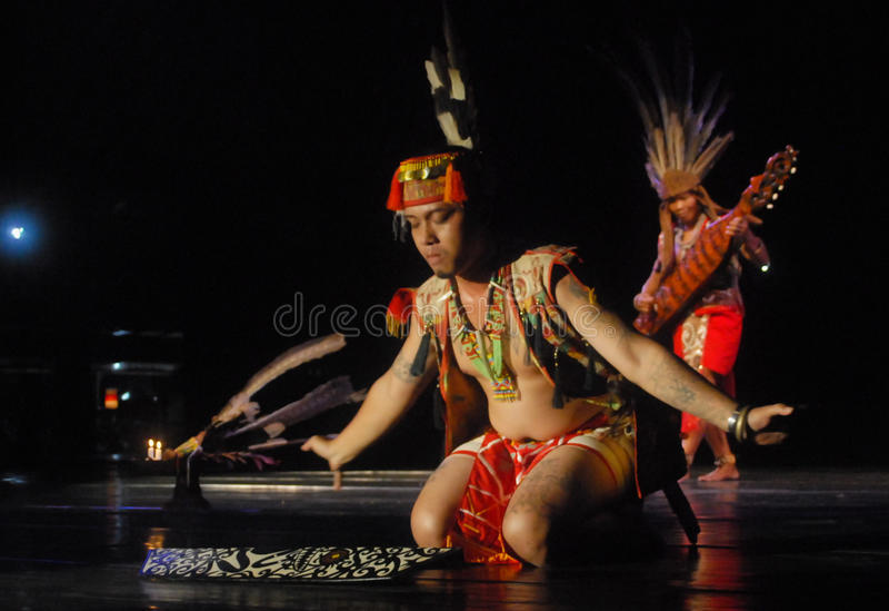 DE DANS VAN INDONESIË DAYAK BORNEO royalty-vrije stock foto's