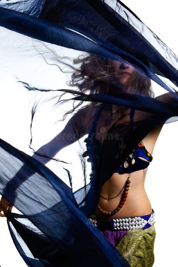 De danser van de buik in kostuum stock foto's