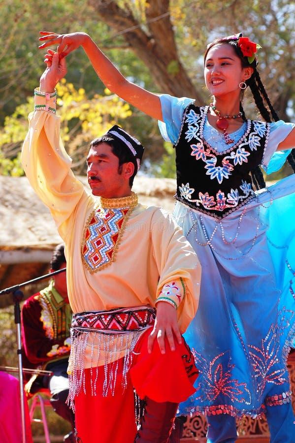 De dansers van Uyghur stock afbeelding