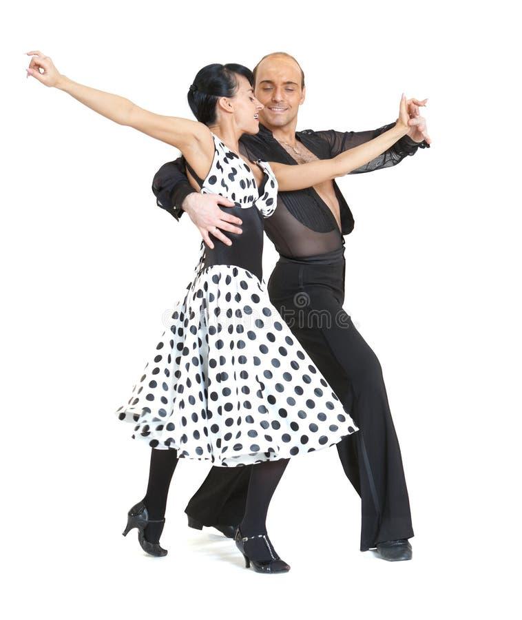 De dansersLatina van het paar stijl stock afbeeldingen