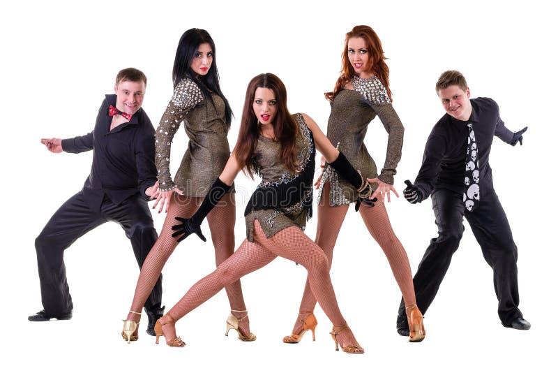 De dansersteam van het cabaret het dansen Geïsoleerd op witte achtergrond in volledige lengte royalty-vrije stock foto