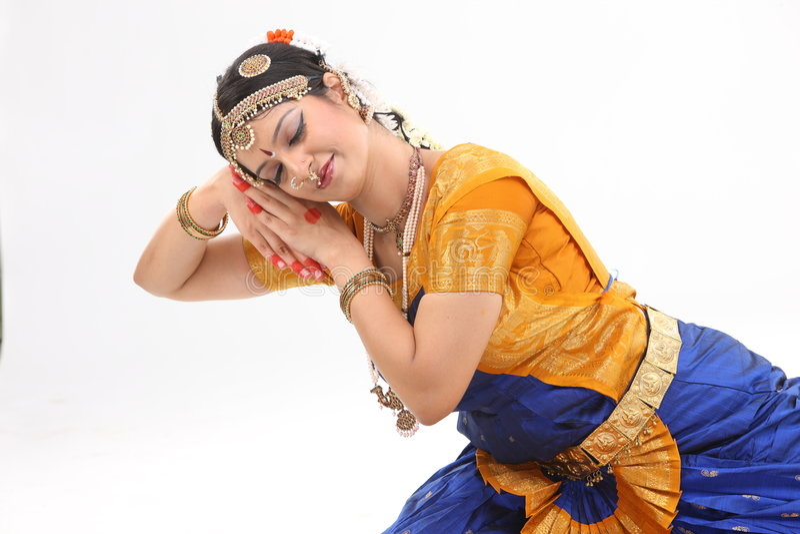 De dansuitdrukking van de traditie die door vrouw wordt gedaan royalty-vrije stock afbeelding