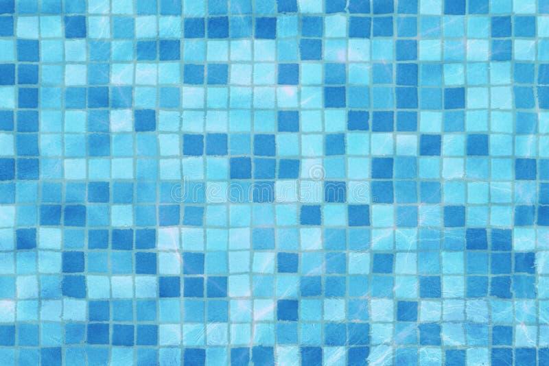 De de bodemcaustisch middelen van het zwembadmozaïek golven als zeewater en stroom met golvenachtergrond, sport en ontspannen royalty-vrije stock afbeelding