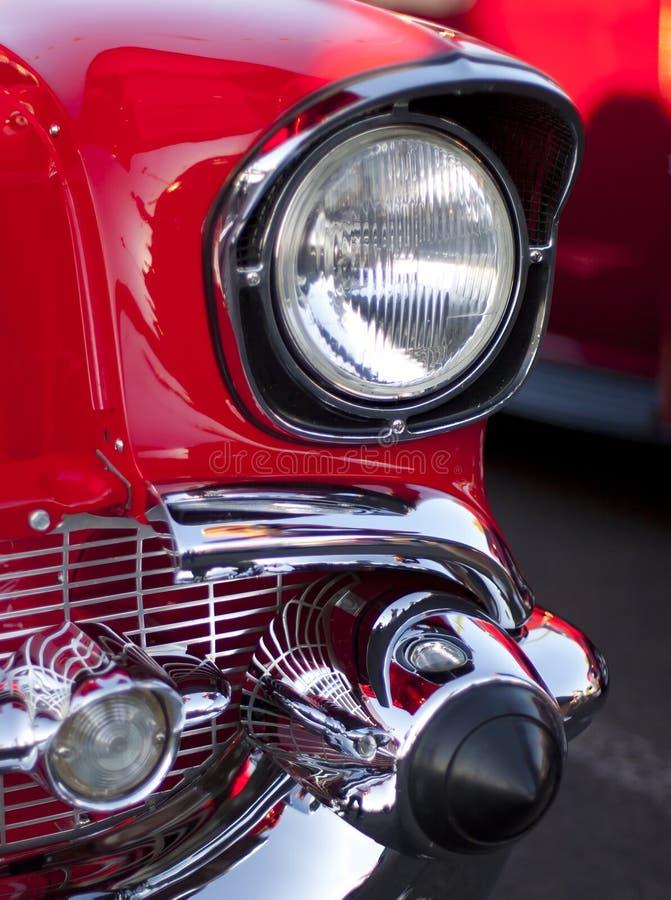 De de klassieke Koplamp en Grill van de Auto stock fotografie