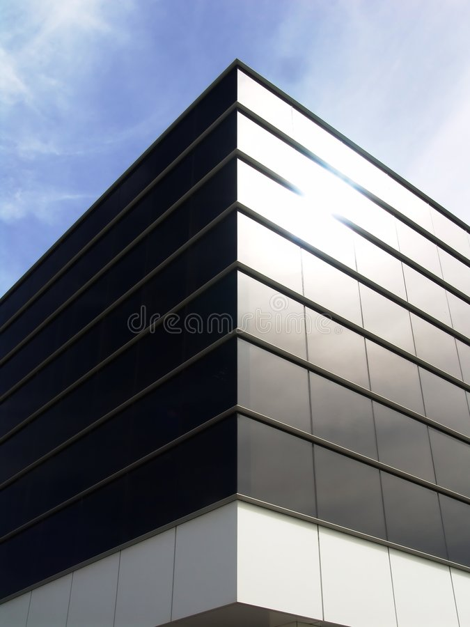 De de moderne Bouw en Hemel van het Glas royalty-vrije stock afbeelding