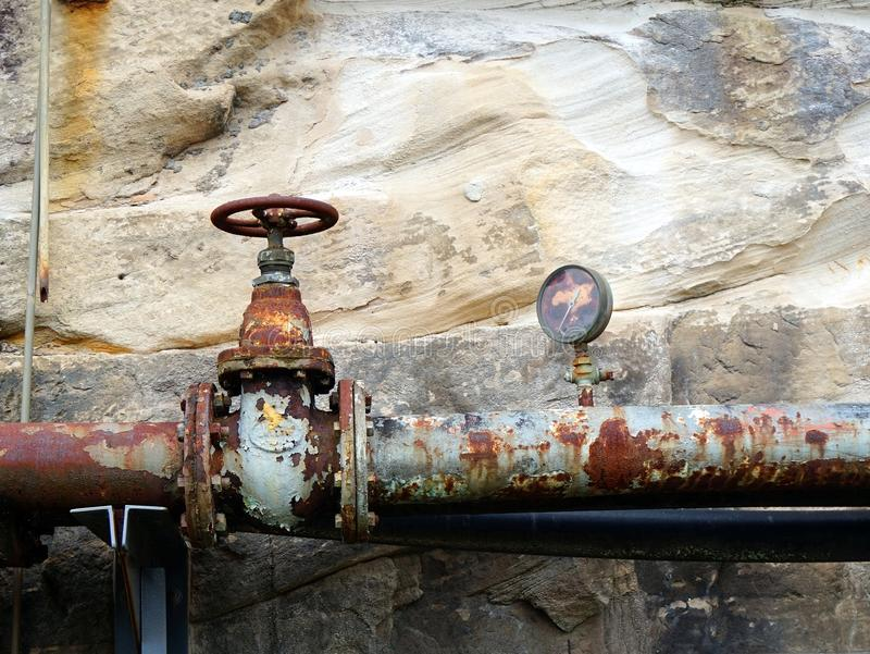 De de oude Klep en Maat van de Brandstofpijp royalty-vrije stock afbeelding