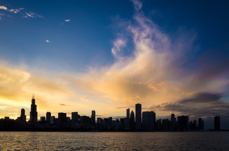 De de stads stedelijke horizon van de binnenstad van Chicago royalty-vrije stock foto's