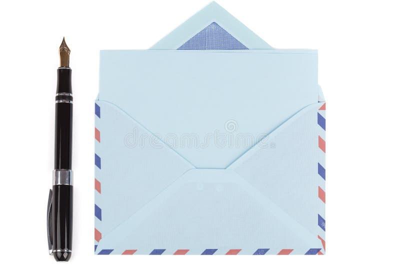De de uitstekende envelop en vulpen van de luchtpost royalty-vrije stock fotografie