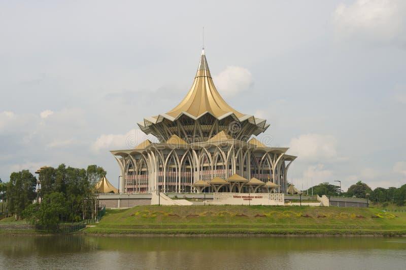 De de Wetgevende vergaderingbouw van de staat, Kuching, Maleisië stock foto
