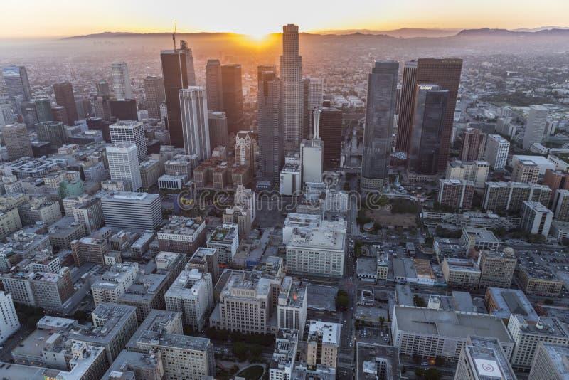 De de Zonsondergangantenne van de binnenstad van Los Angeles stock fotografie