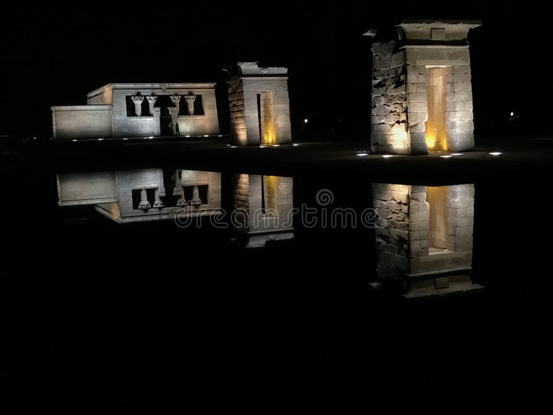 de debod templo royaltyfria foton