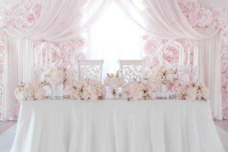 De decoratie van de huwelijksbloem stock foto's