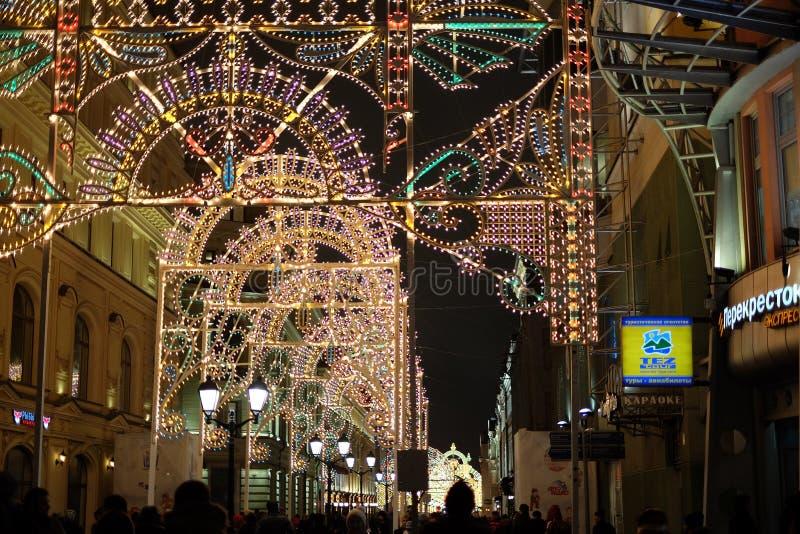 De decoratie van de straat van Moskou bij Nieuwe jarenvooravond royalty-vrije stock foto