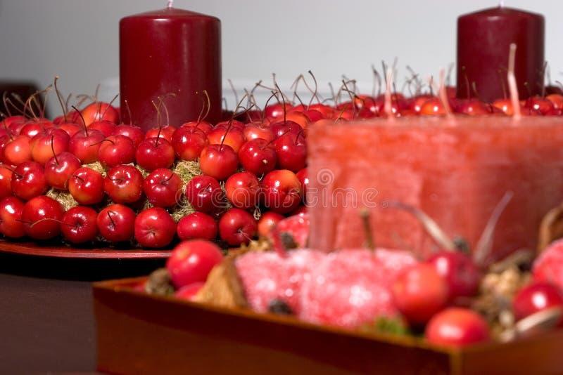 De decoratie van Kerstmis die van kersen wordt gemaakt stock afbeeldingen