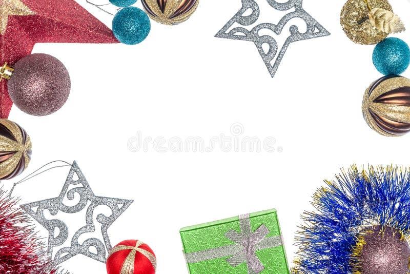 De decoratie van Kerstmis Kerstmisvoorbereidingen Achtergrond met Kerstmisgiften en decoratie stock afbeeldingen