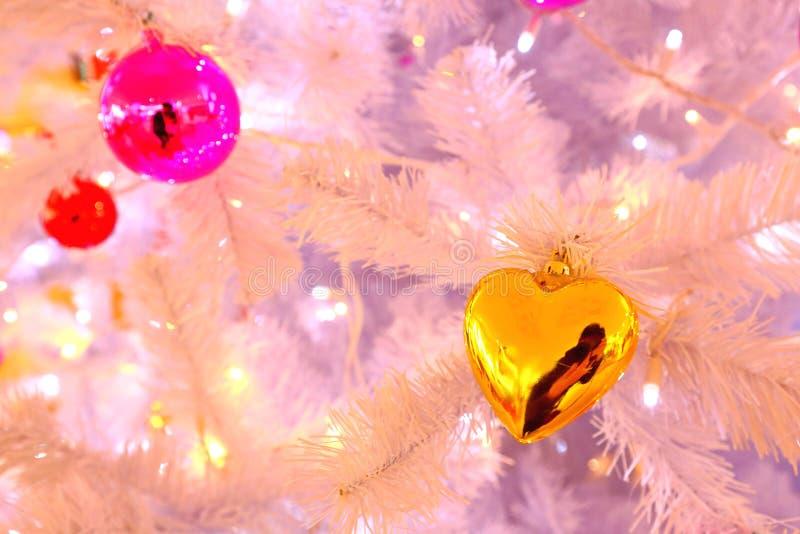 De decoratie van Kerstmis op de straat stock afbeeldingen