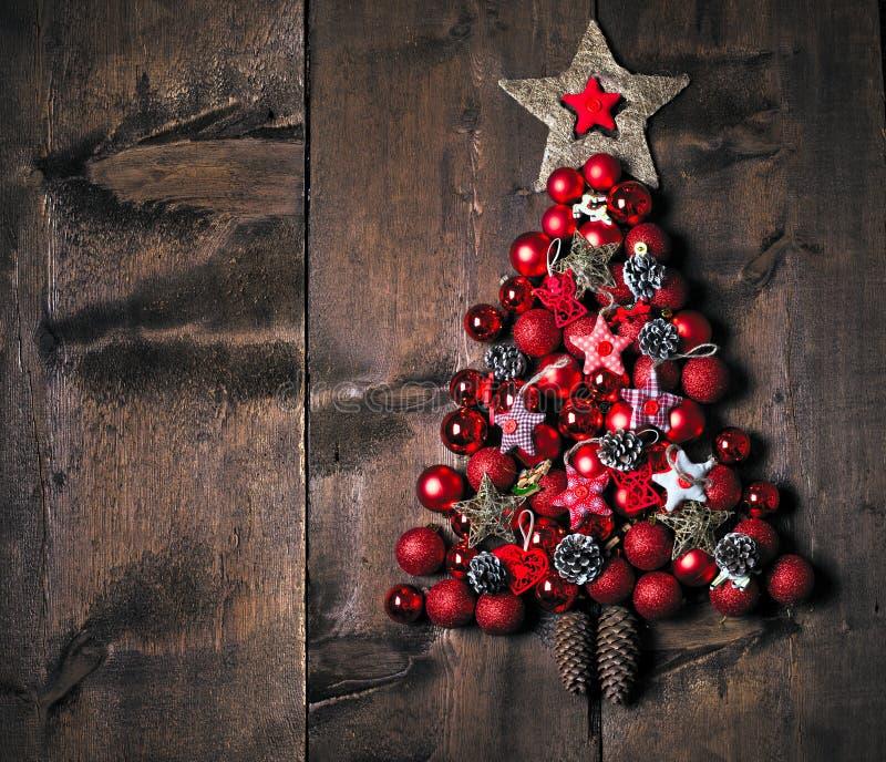 De decoratie van Kerstmis over houten achtergrond Decoratie over hout wijnoogst stock afbeelding