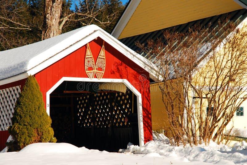 De decoratie van de sneeuwschoen in de winter stock foto