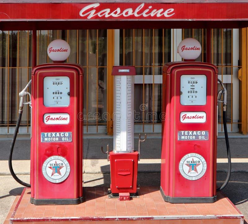 De decoratieve uitstekende post van de brandstofpomp Texaco stock fotografie