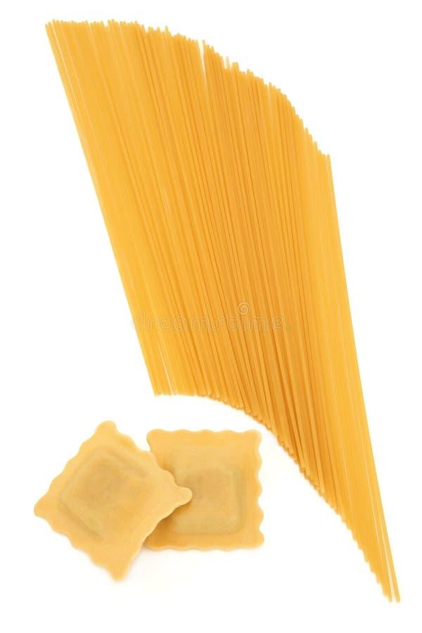 De Deegwaren van de ravioli en van de Spaghetti royalty-vrije stock foto