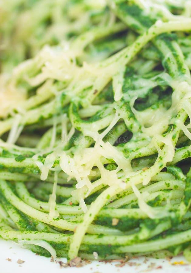 De deegwaren van de spaghetti met spinazie royalty-vrije stock afbeelding