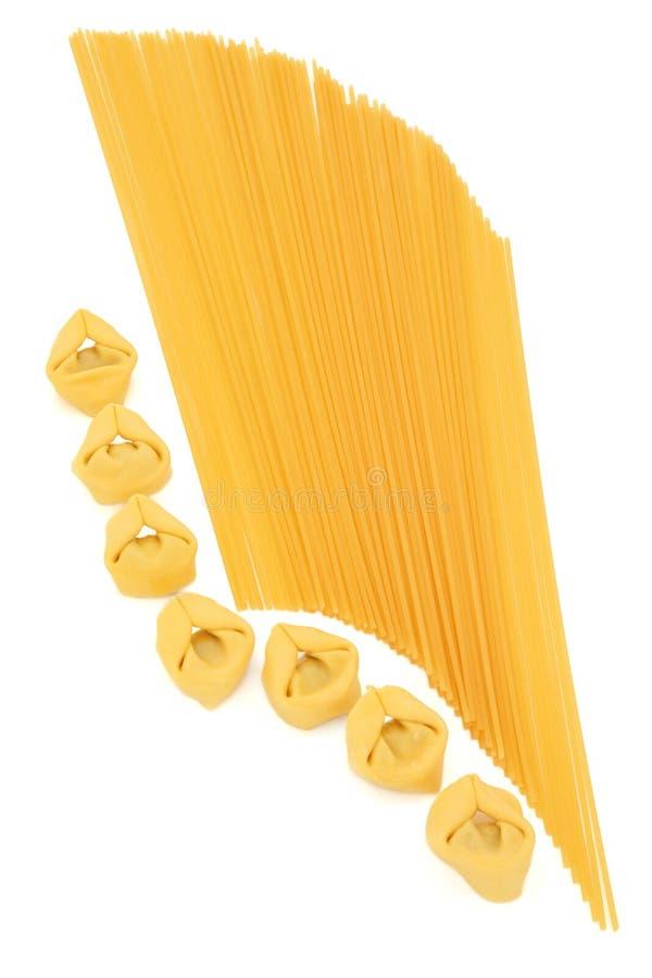 De Deegwaren van Tortellini en van de Spaghetti royalty-vrije stock foto