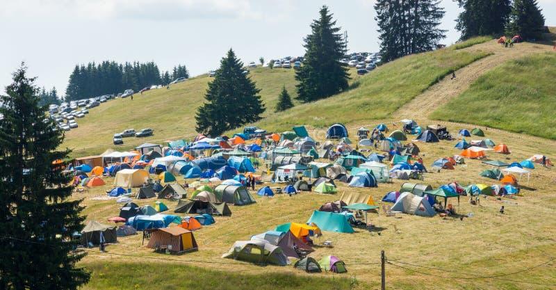 De deelnemers Rozhen 2015 van het kampeerterreinfestival royalty-vrije stock foto's