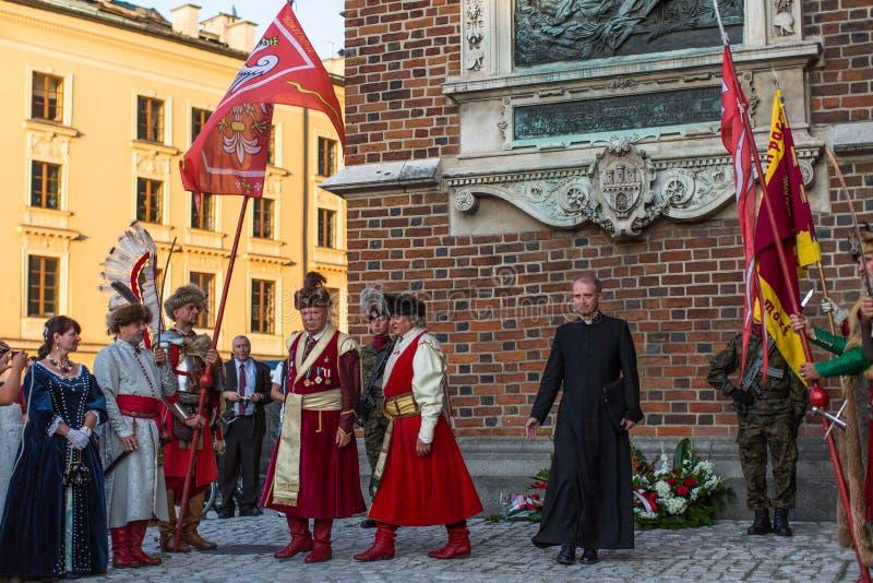 De deelnemers van ceremonie is de gelofte van eerste klassen van de III Middelbare school van Januari Sobieski stock foto's