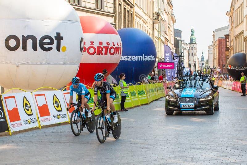 De deelnemers van 72ste Tour DE Pologne het cirkelen 7de stadium rennen royalty-vrije stock afbeeldingen