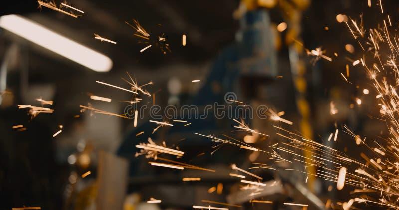 De deeltjes die van de energiebrand vonken industri?le heldere gloeiende 3D illustratie lassen als achtergrond royalty-vrije stock foto's
