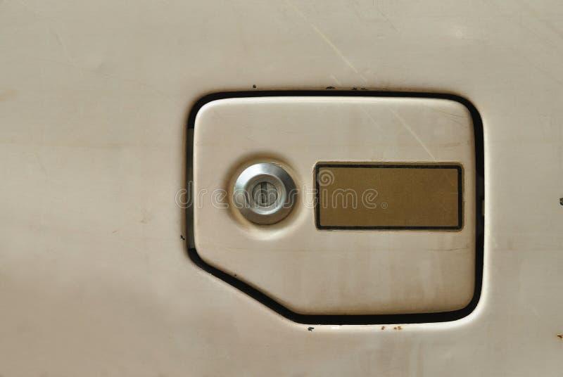 De dekking van de brandstofvuller van oude auto stock afbeeldingen