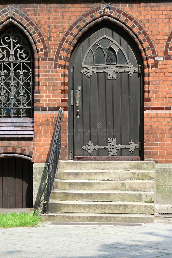 De deur aan de kerk royalty-vrije stock fotografie