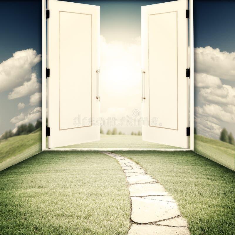 De deur aan een andere wereld stock foto