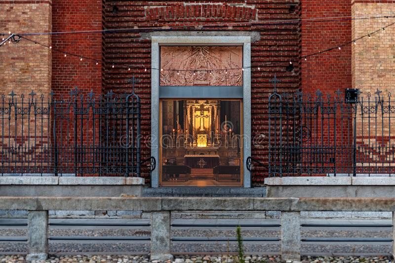 De deur aan de kerk royalty-vrije stock afbeelding