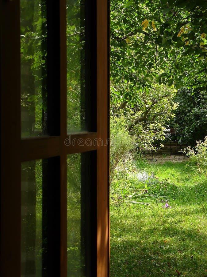 De deur van de tuin royalty-vrije stock fotografie