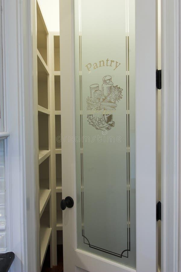 De deur van de voorraadkast stock afbeelding