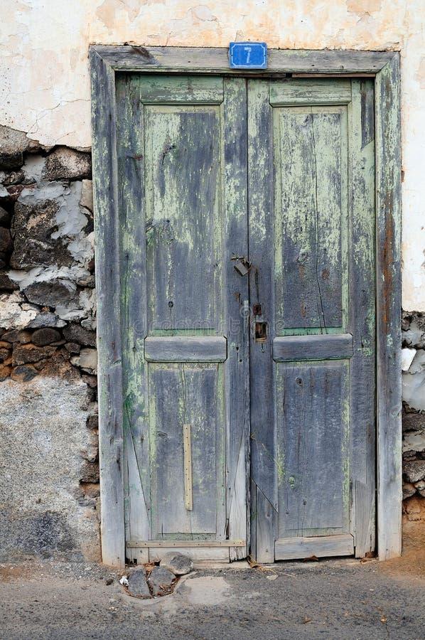 De deur van Grunge stock foto's