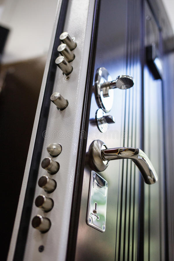 De deuren van het ingangsmetaal royalty-vrije stock foto
