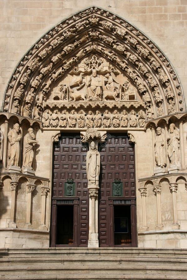 De deuropening van de kathedraal stock foto's