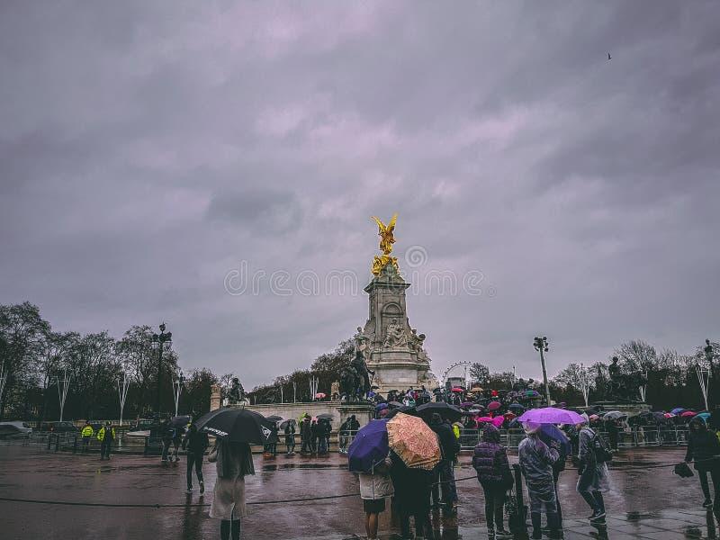 28 de dezembro de 2017, Londres, Inglaterra - Victoria Memorial, um monumento à rainha Victoria fotos de stock